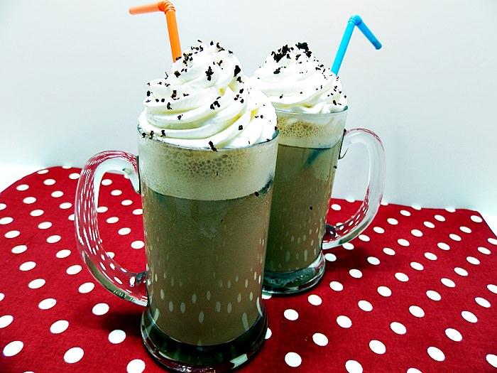 Caffe frappe cu inghetata sau cuburi de cafea