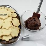 Biscuiti, fursecuri fragede cu crema de ciocolata, reteta veche