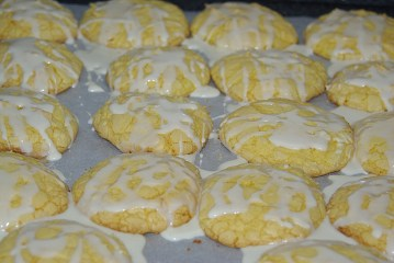 Lemon cookies have a nice crackled effect and the dripped icing adds additional texture.