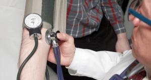 Не занимайтесь самолечением и самодиагностикой! Крымчан призывают обращаться к врачам