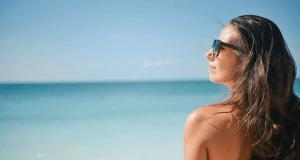 Пляжи в Коктебеле и Лисьей бухте — среди лучших нудистских пляжей в России