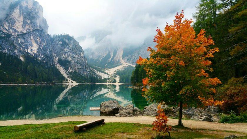 Lago di Braies na podzim