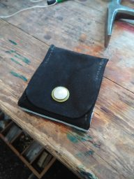 Patron porte monnaie carré avec carte proposé par Frère Jules :)