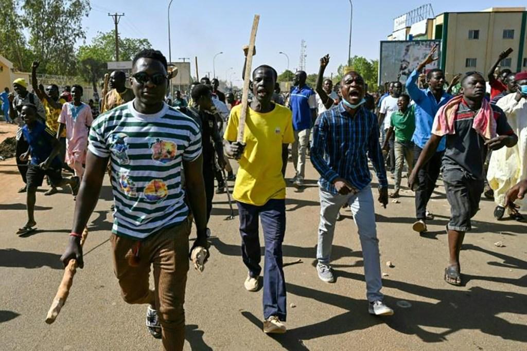 Présidentielle au Niger des heurts éclatent, l'opposition clame la victoire