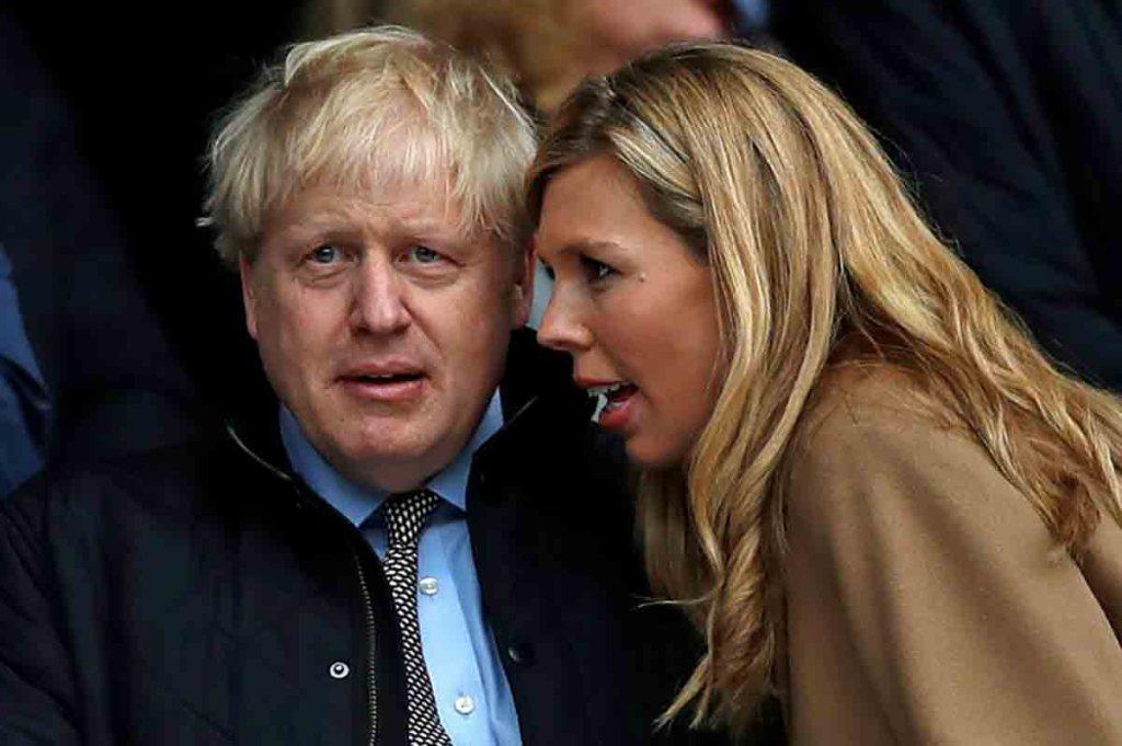 """Boris Johnson s'est marié """"en secret"""" avec Carrie Symonds"""