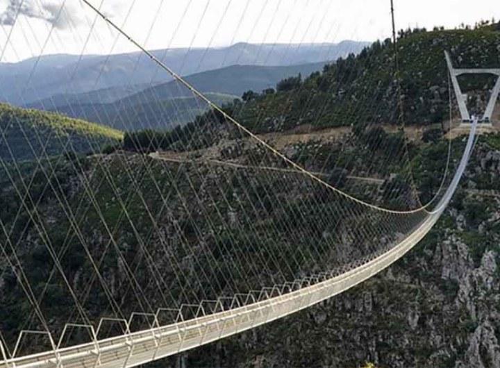 Le Portugal inaugure le pont suspendu le plus long du monde, vertige garanti