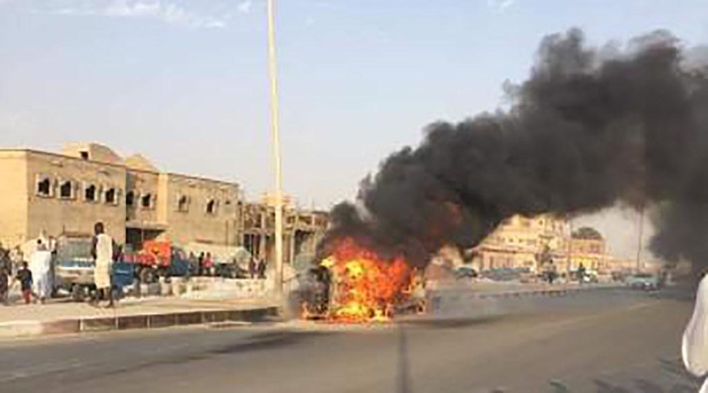 Deux conducteurs de tricycles transportant du carburant meurent dans un accident à Nouakchott