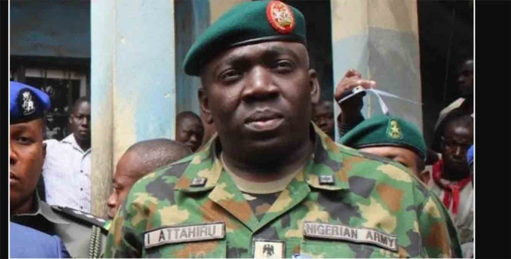 Nigeria, le chef de l'armée meurt dans un accident d'avion