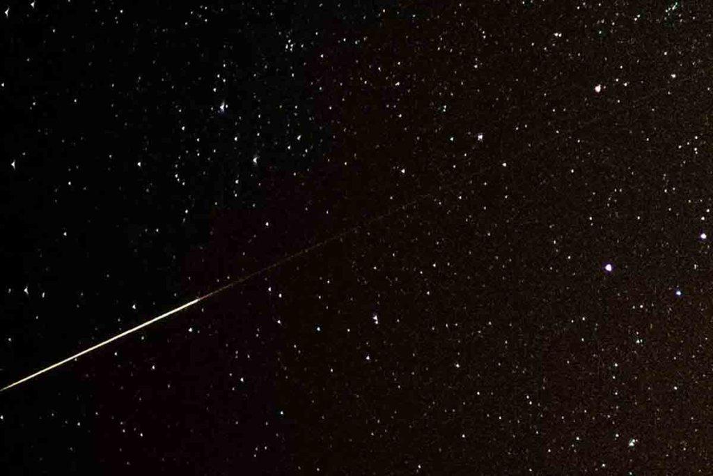 Perséides: En voyant une étoile filante, pourquoi fait-on un vœu?