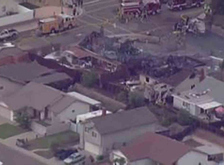 San Diego en Californie, un avion s'écrase sur des maisons, au moins 2 morts