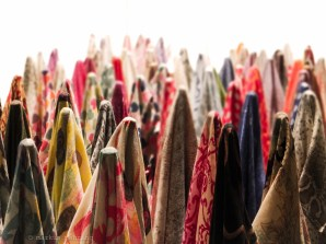 many scarfs