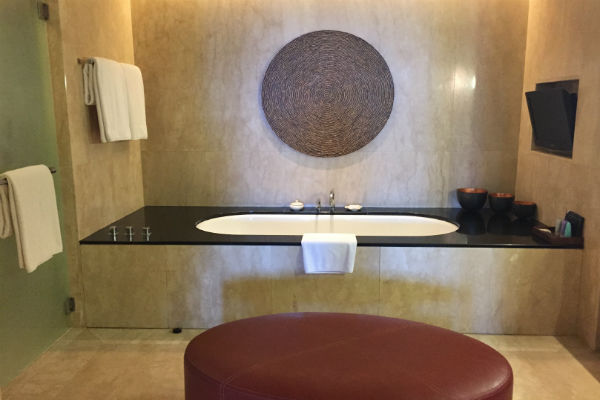 The bathroom of the Conrad Pool Suite