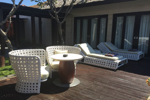 Conrad Bali Pool chairs