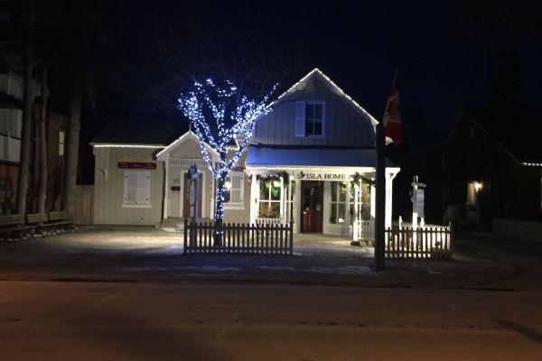 Isla Home in Unionville Ontario Kim's Antique's Stars Hollow