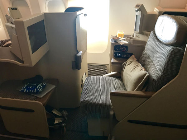 Etihad Airways Business Class Seat 14K on 777-200 SFO to AUH
