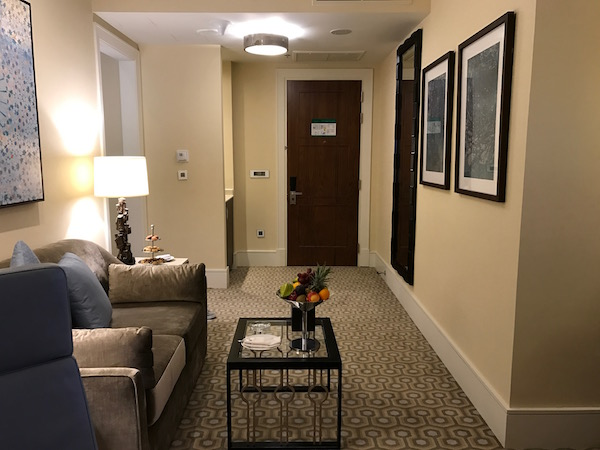 Review Conrad Makkah Suite Living Room
