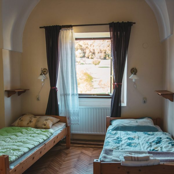 monastery-accommodation-pointers-travel