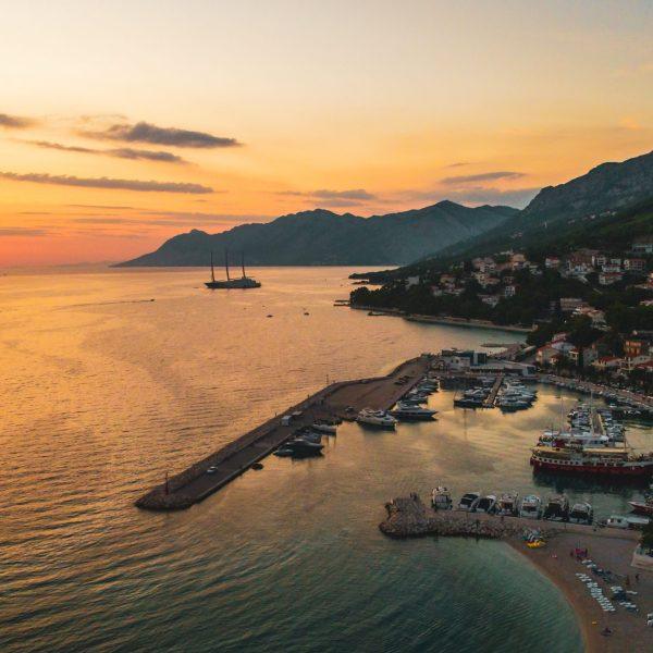 riviera-sunset-pointers-travel
