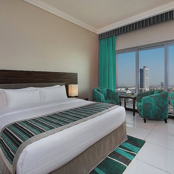 atana-hotel-dubai-deluxe-room-pointers-travel