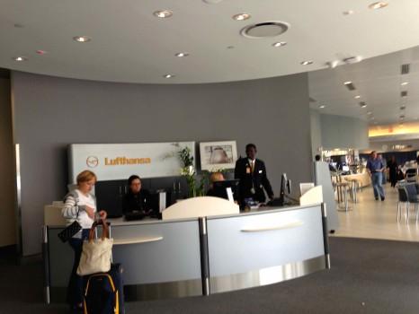 LH Lounge JFK04