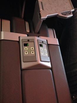 AA 737-800 Sky Interior15