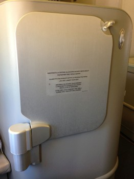 Alitalia B777-200ER Magnifica Business Class12