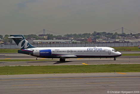 090522-airtran717-01