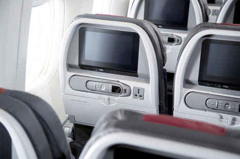 AA 777-300ER Economy 3