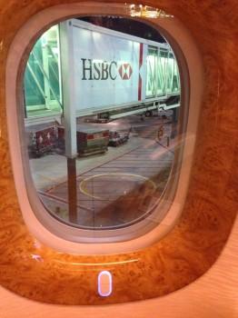 Emirates First Class DXB-MXP Dubai Milan 77705