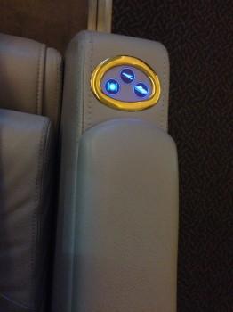 Emirates First Class DXB-MXP Dubai Milan 77724