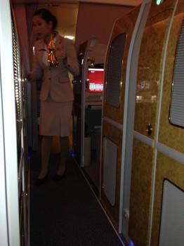 Emirates First Class DXB-MXP Dubai Milan 77734