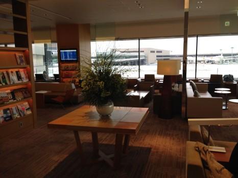 JAL Sakura Lounge Tokyo NRT85