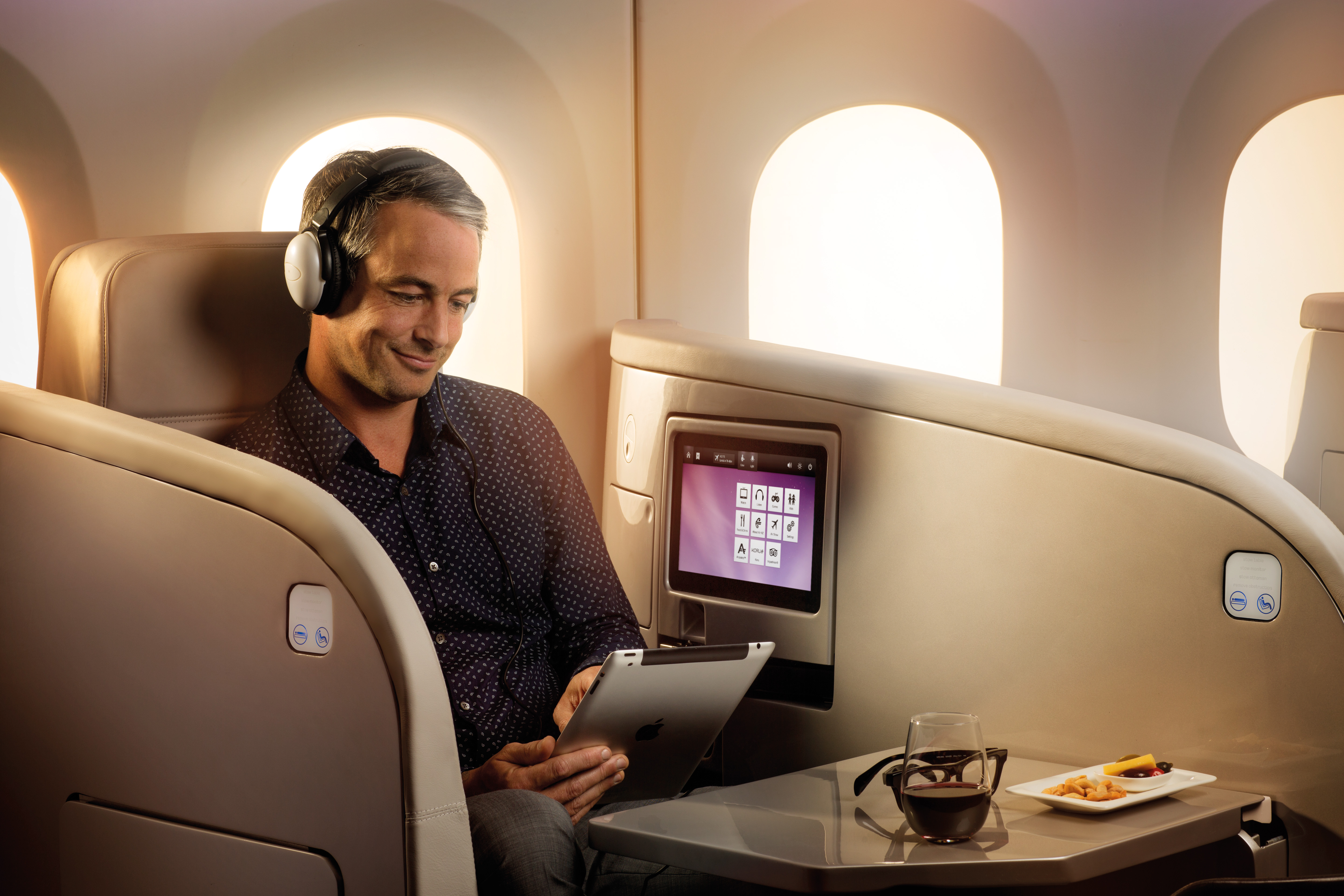 Look Inside The Awesome New Air New Zealand B787 9 Cabin Point Me To The Plane