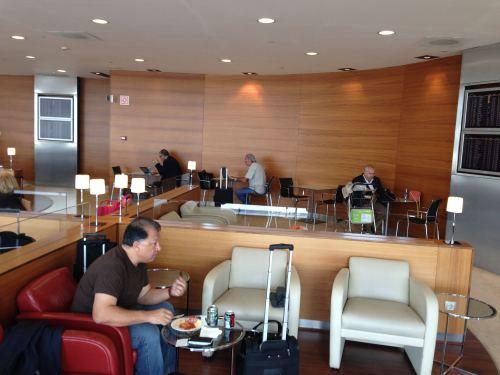 Iberia Velázquez VIP Lounge – Madrid Terminal 4S07