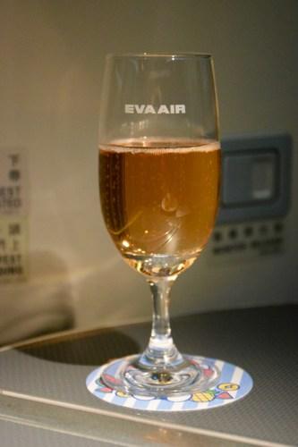 EVA Air Royal Laurel Class - Krug Rose Champagne