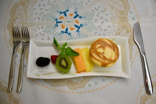 EVA Air Royal Laurel Class - Fruit and Caramel Cheese Cake