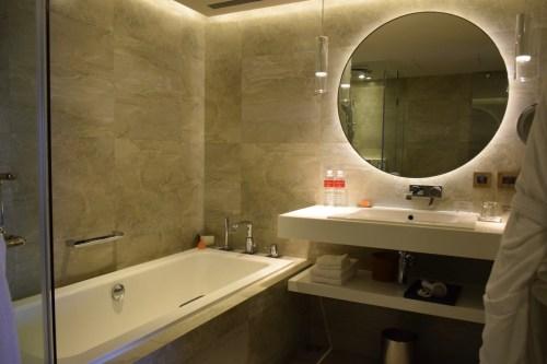 Grand Hyatt Taipei - Grand Suite Twin Bathroom