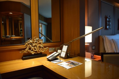 Conrad Bangkok Executive Corner King Room - Work Desk