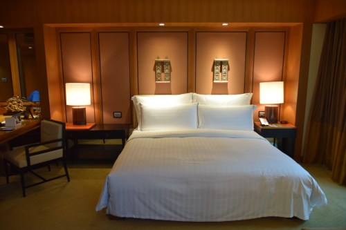 Conrad Bangkok Executive Corner King Room - Bed