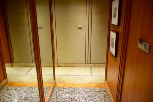 """Conrad Bangkok """"Presidential Suite Bedroom"""" Executive Twin Corner Room - Entryway"""