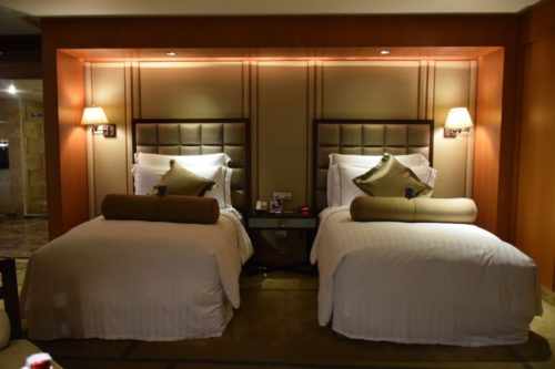 Conrad Bangkok Executive Twin Corner Room - Beds
