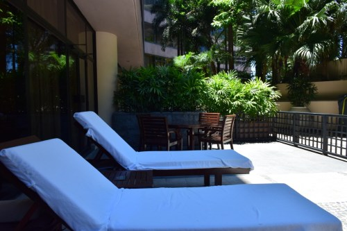 InterContinental Hong Kong Patio Room - Patio Beach Chairs