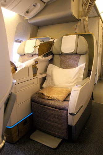Emirates 777-300ER Business Class. Photo by TravelingOtter from Flickr, used with permission.