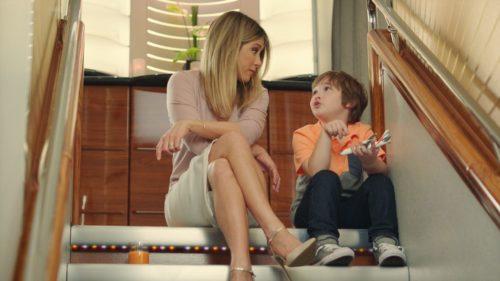 Jennifer Aniston stars in new ad for Emirates