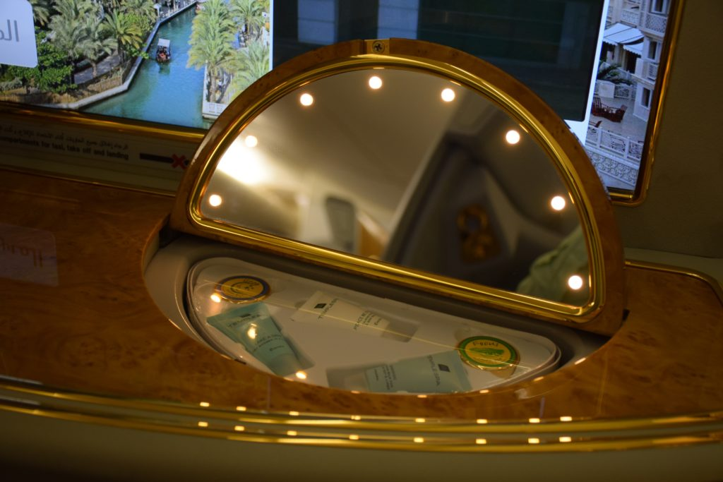 Emirates A380 First Class - Vanity Kit and Mirror