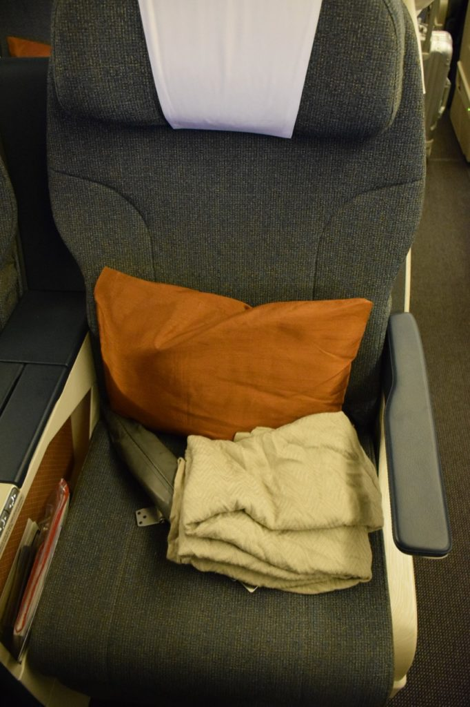 Cathay Pacific 777-200 Regional Business Class Seat