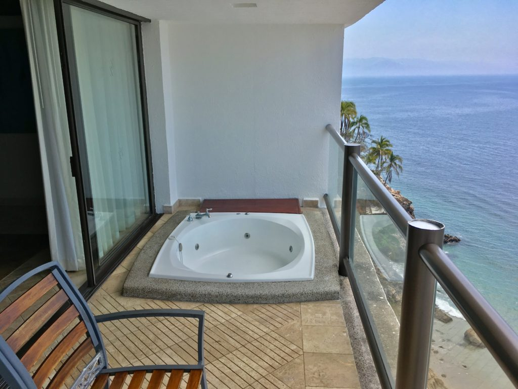 Hyatt ziva puerto vallarta review part 1 point me to for Balcony hot tub