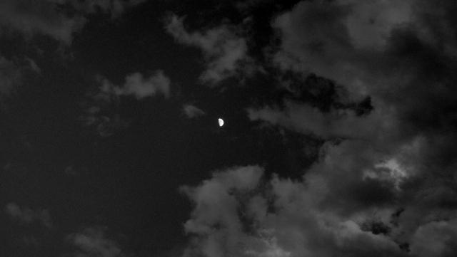 Shooting the moon... (3/5)