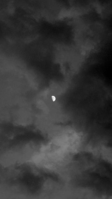 Shooting the moon... (2/5)