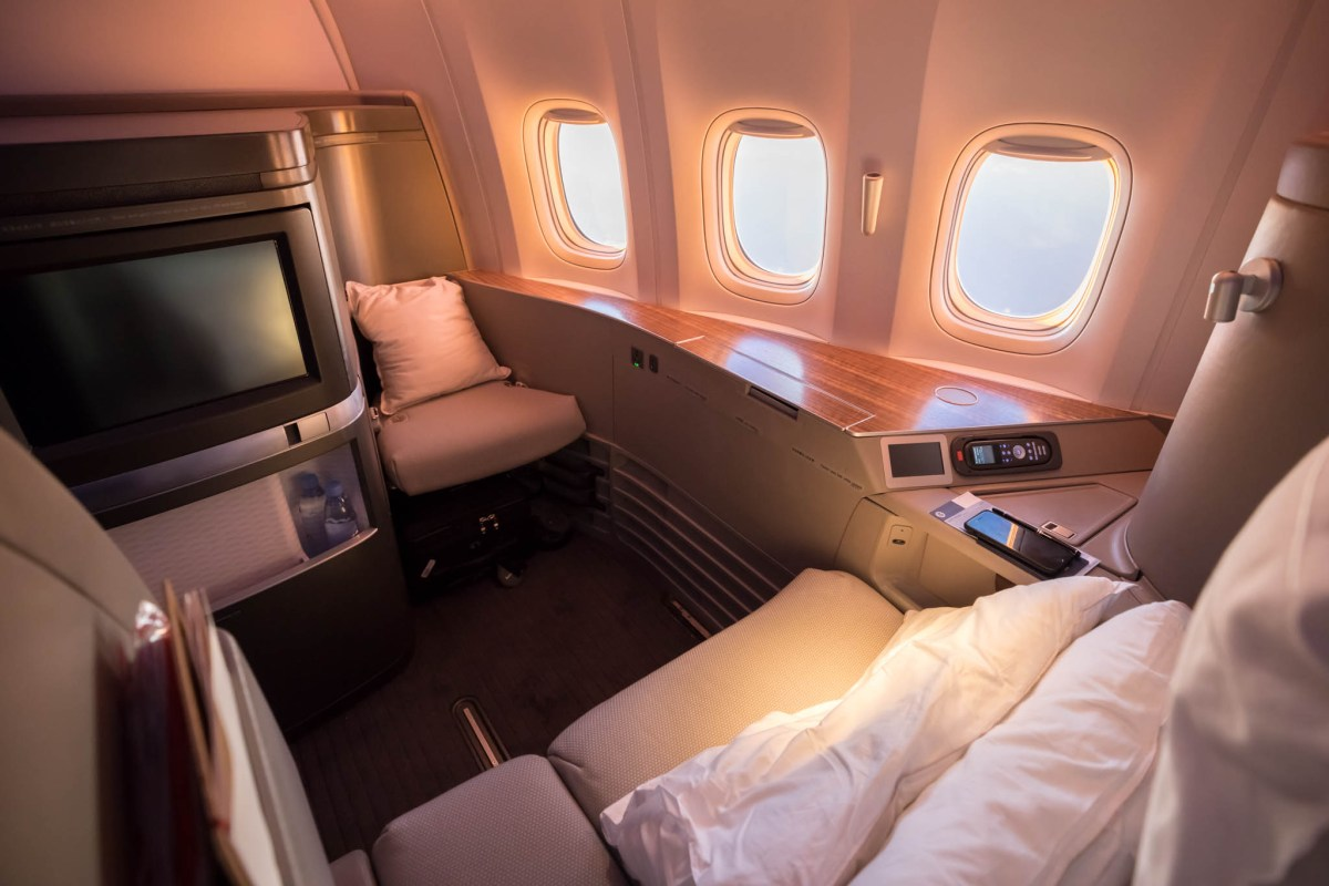 Review - Cathay Pacific First Class Hong Kong To Los Angeles